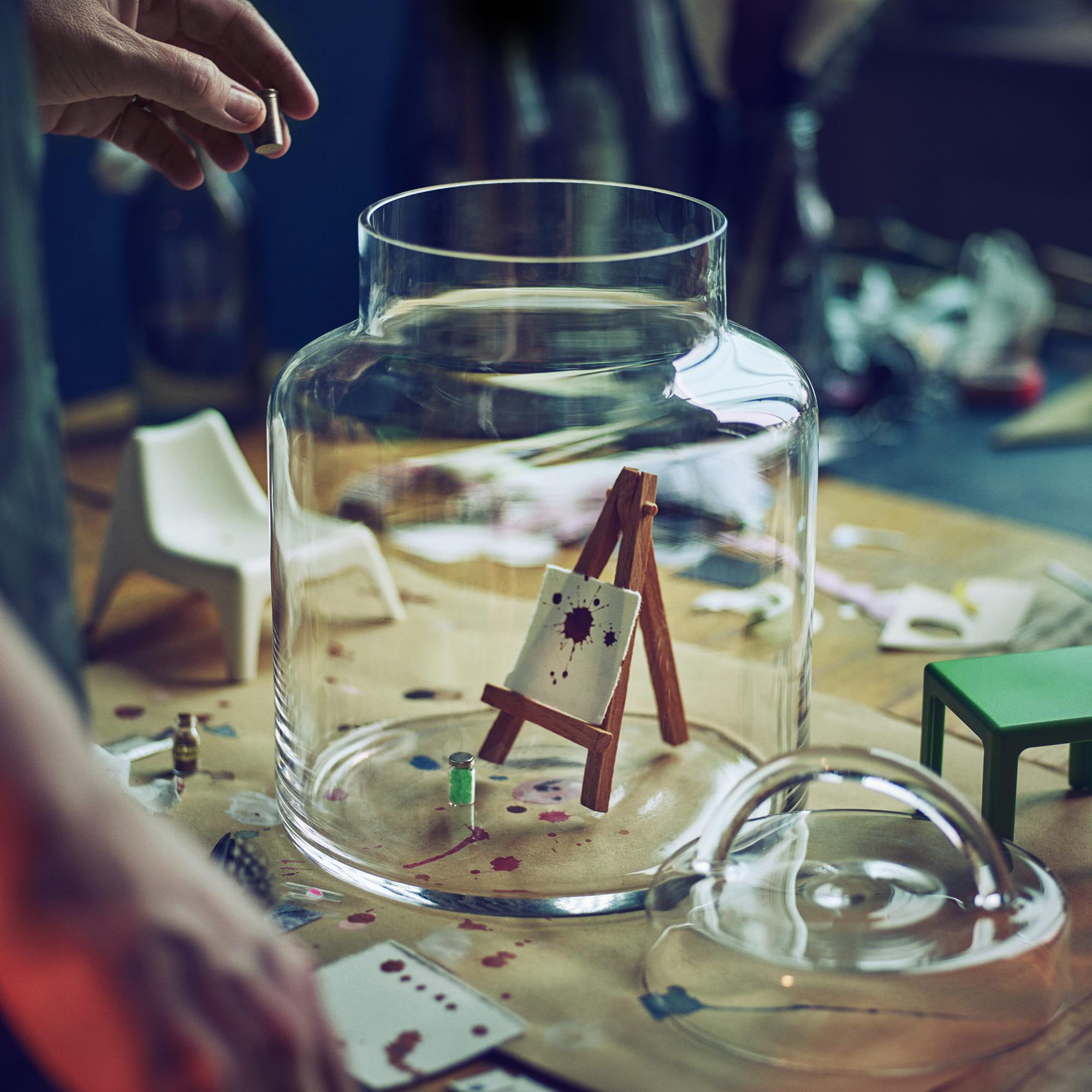 Un repr sentation miniature en bocal - Bocal verre ikea ...