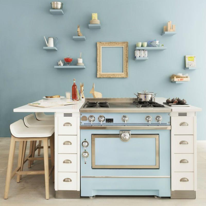 Cuisine avec piano de cuisson maison design for Piano de cuisine la cornue
