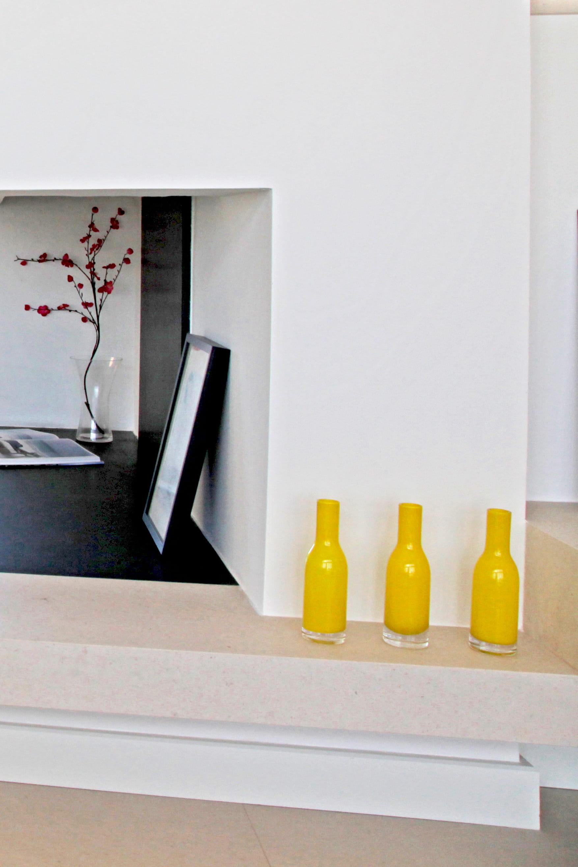 peindre des bouteilles 6 id es r cup pour d tourner une bouteille en verre journal des femmes. Black Bedroom Furniture Sets. Home Design Ideas