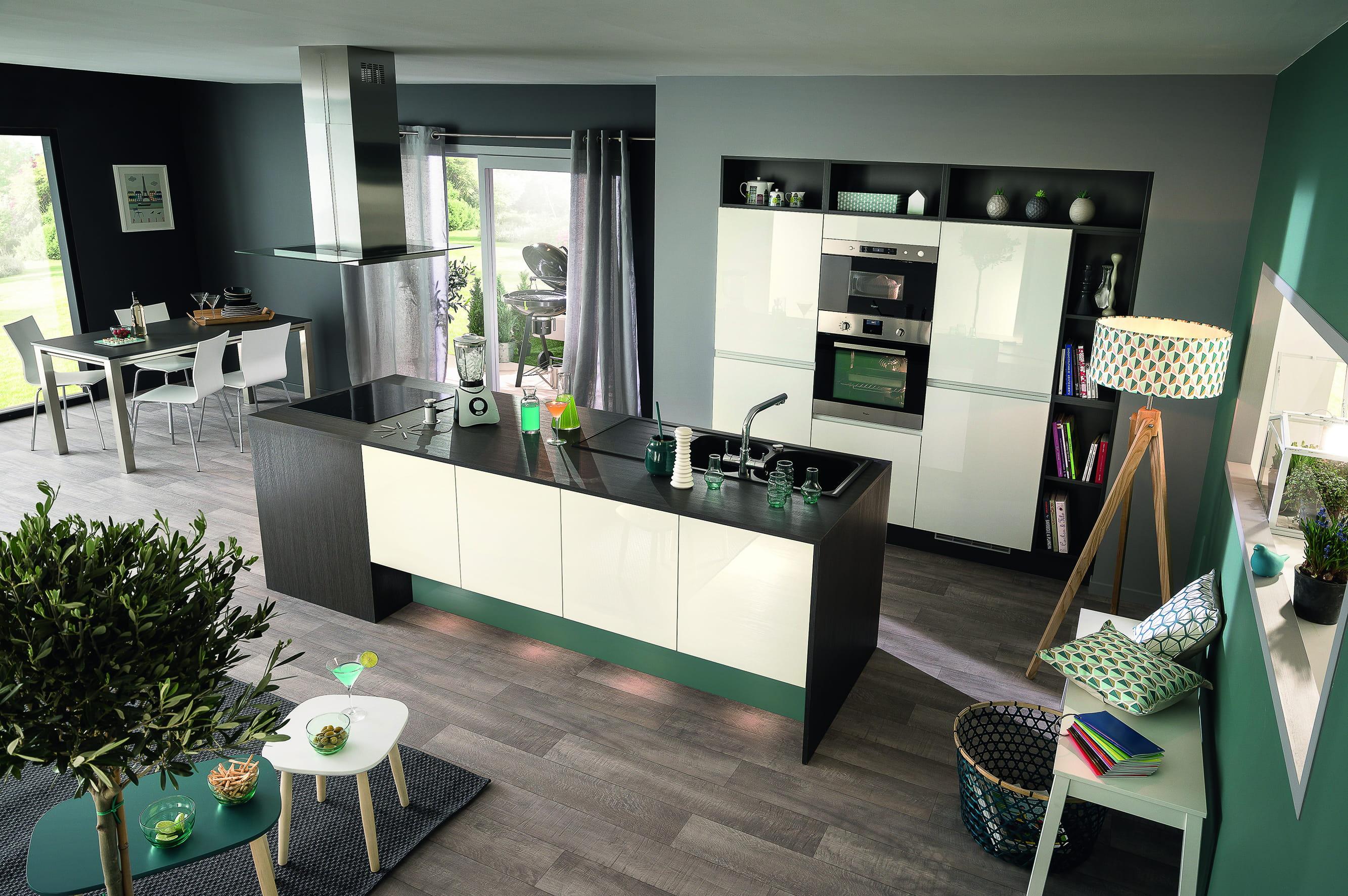 Cuisine familiale muse de socoo 39 c des cuisines modernes - Table de cuisine avec rangement ...