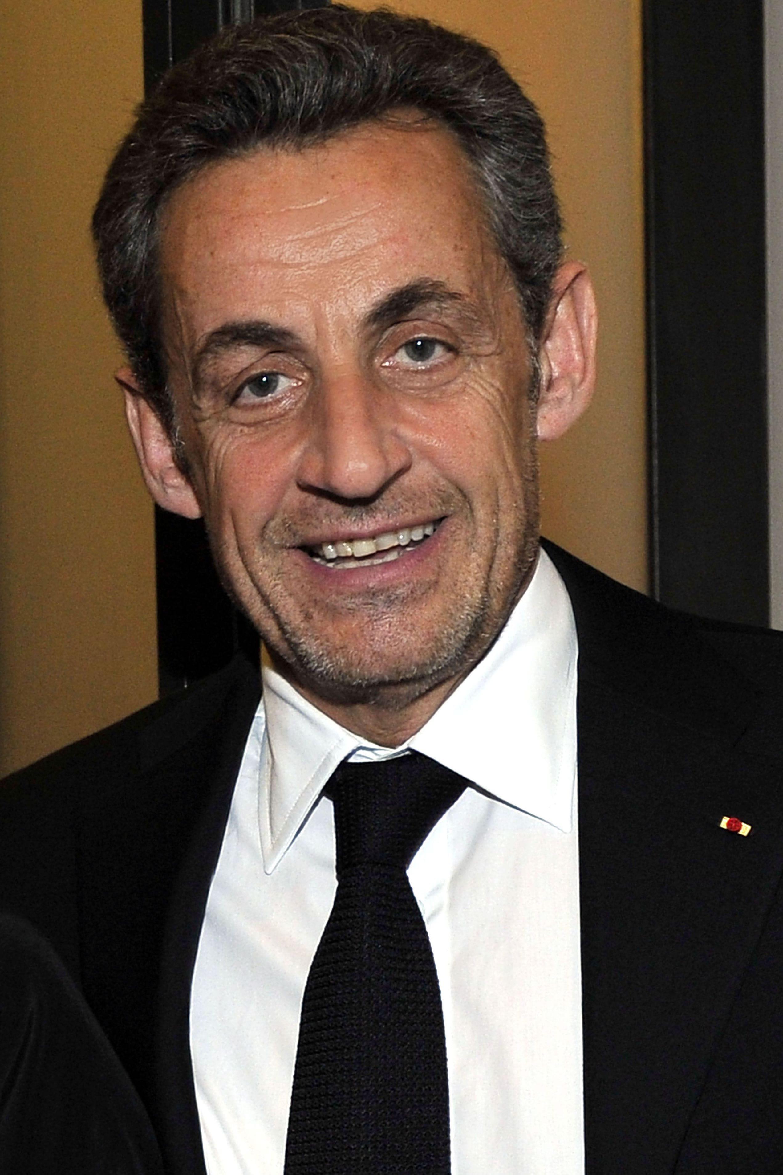 <b>Nicolas Sarkozy</b> © BEBERT BRUNO SIPA - 10140874-nicolas-sarkozy-sa-fille-giulia-dans-la-cour-des-grands