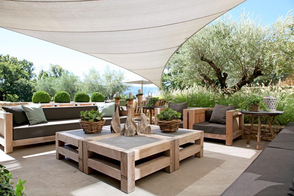 salon bucolique esprit chic et nature dans une maison de campagne journal des femmes. Black Bedroom Furniture Sets. Home Design Ideas