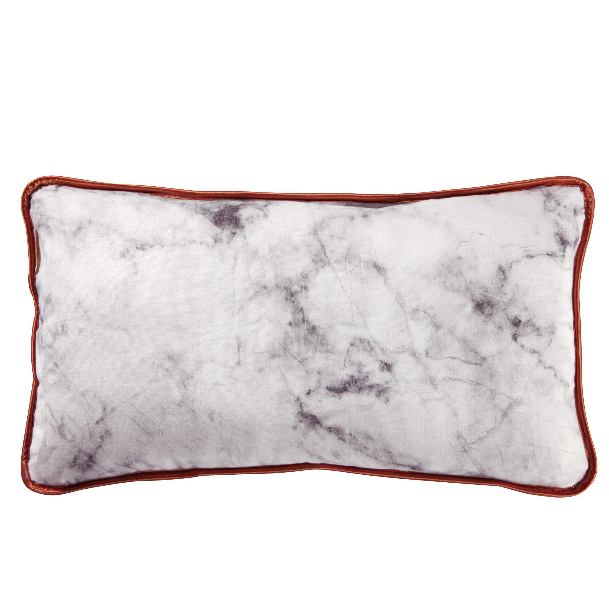 coussin capitonn marbre de 3 suisses coussin nos 40 mod les chouchous pour l 39 hiver. Black Bedroom Furniture Sets. Home Design Ideas