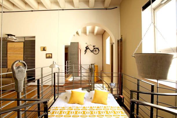 Une chambre en apesanteur un loft la d co industrielle et r cup 39 jo - Deco chambre industrielle ...