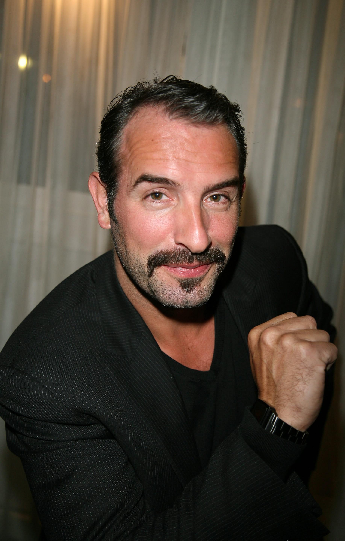 Jean dujardin les moustachus les plus sexy du cin ma for Cinema jean dujardin