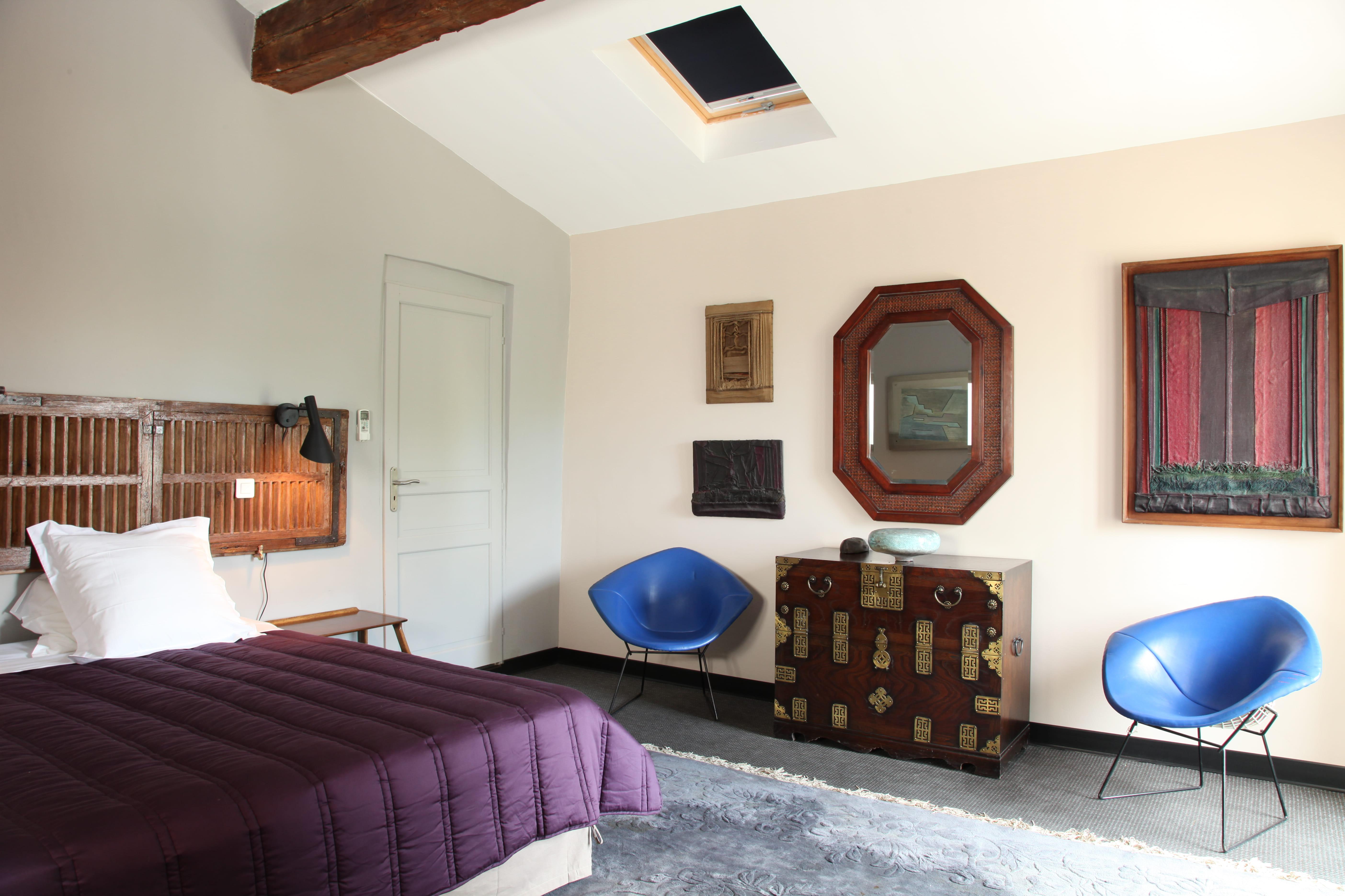 Une chambre entre ancien et moderne