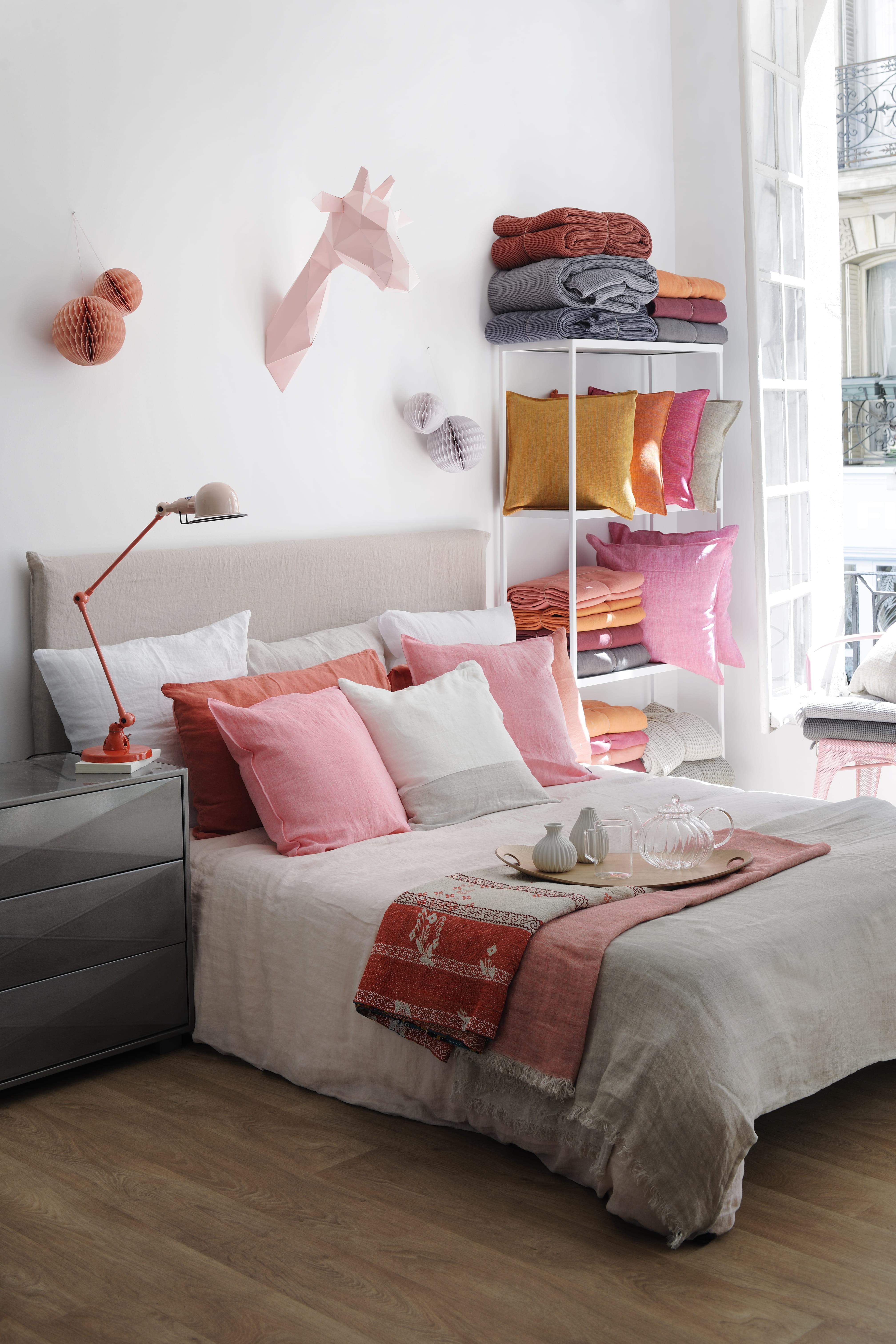 parure de lit en lin rose et taupe chez fleux 39 17 parures de lit pour se lover dans le lin. Black Bedroom Furniture Sets. Home Design Ideas