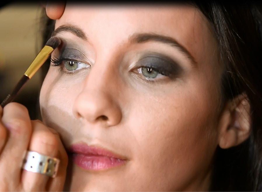 Se faire un smoky eye facile journal des femmes - Smoky eyes facile ...