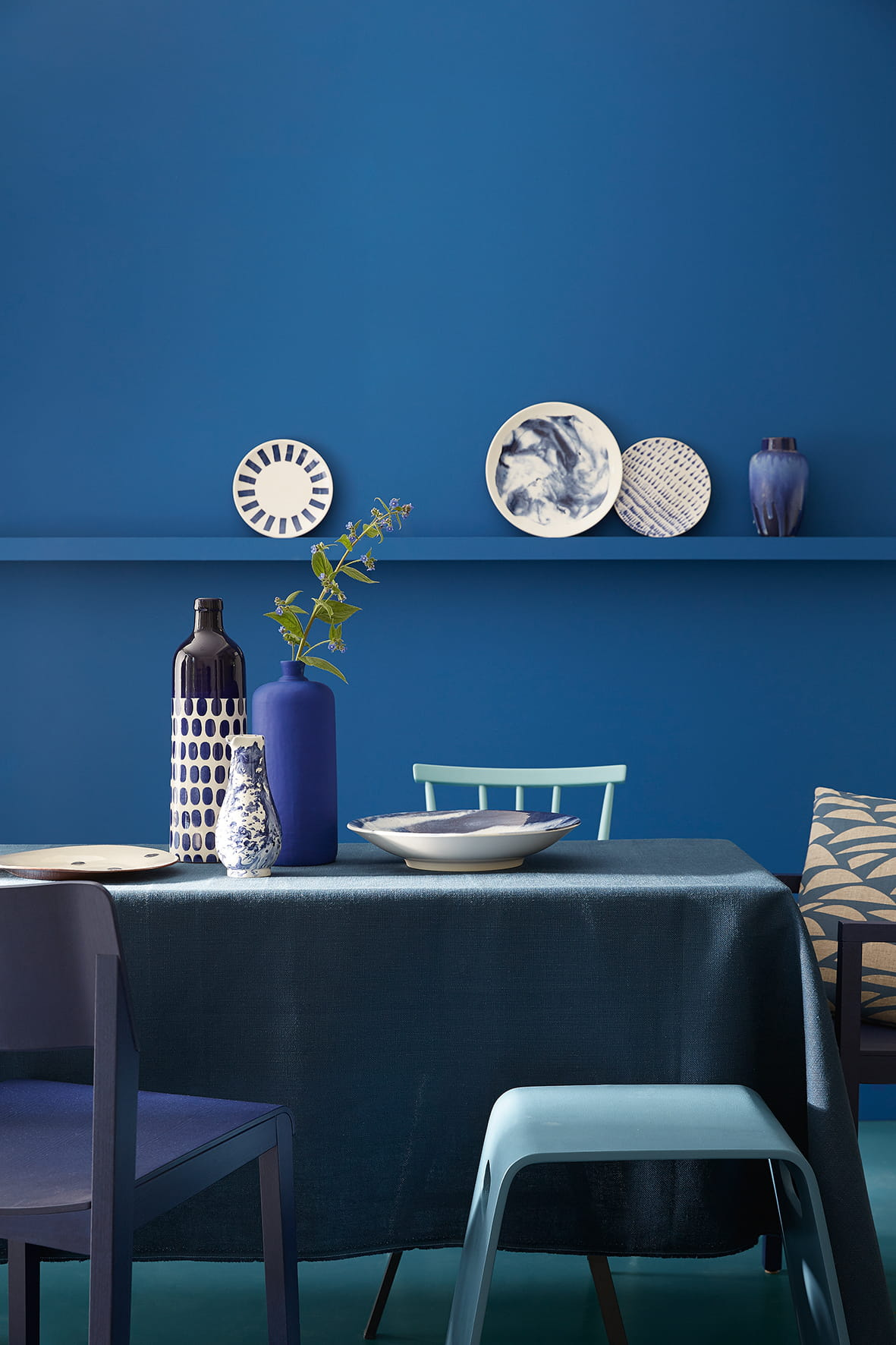 peintures nuances de bleu par little greene peinture. Black Bedroom Furniture Sets. Home Design Ideas