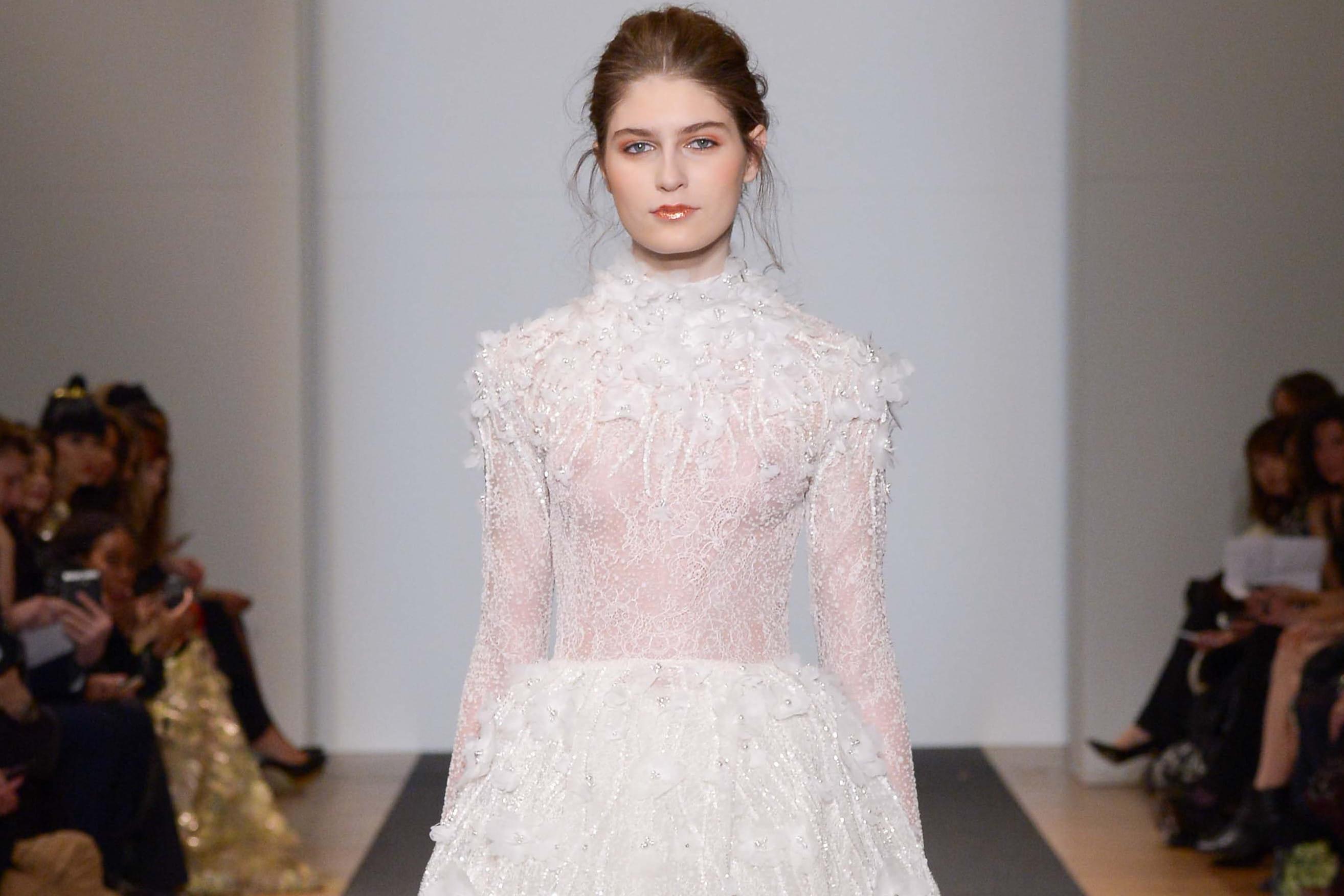les plus belles robes de mari e haute couture journal. Black Bedroom Furniture Sets. Home Design Ideas