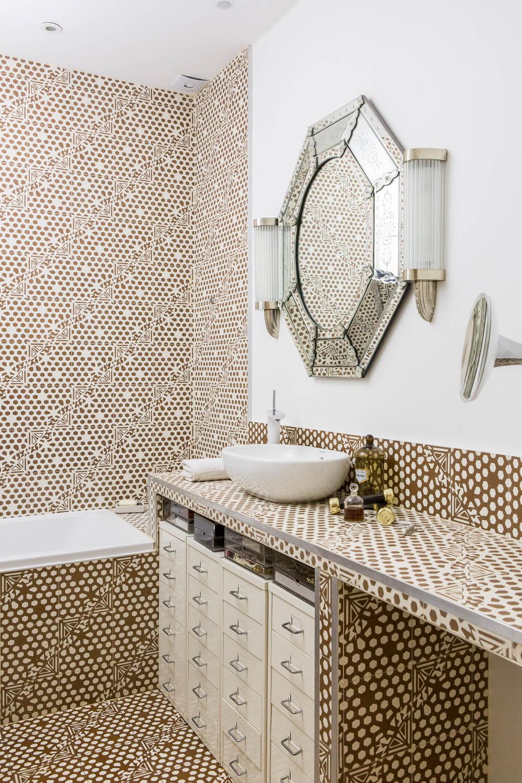 Salle de bains art d co un appartement vitamin aux accents art d co jour - Journal des femmes deco ...