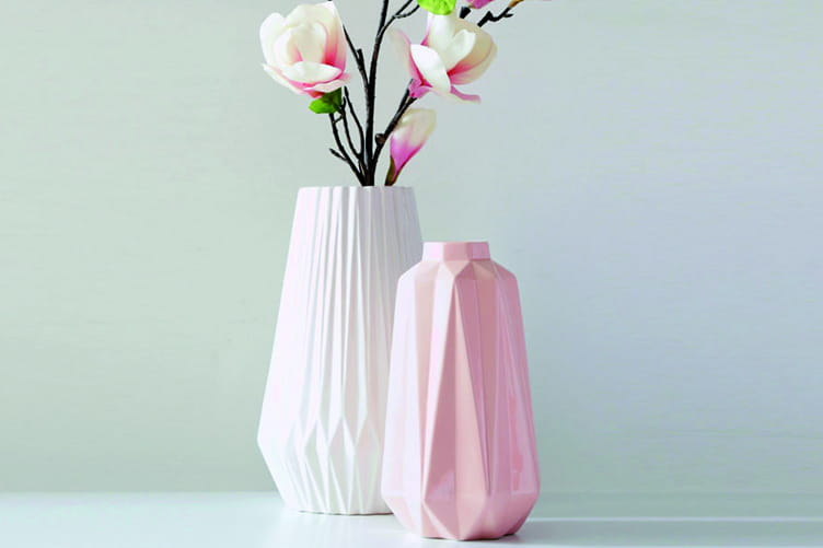l 39 objet du d sir le vase origami de becquet journal des femmes. Black Bedroom Furniture Sets. Home Design Ideas