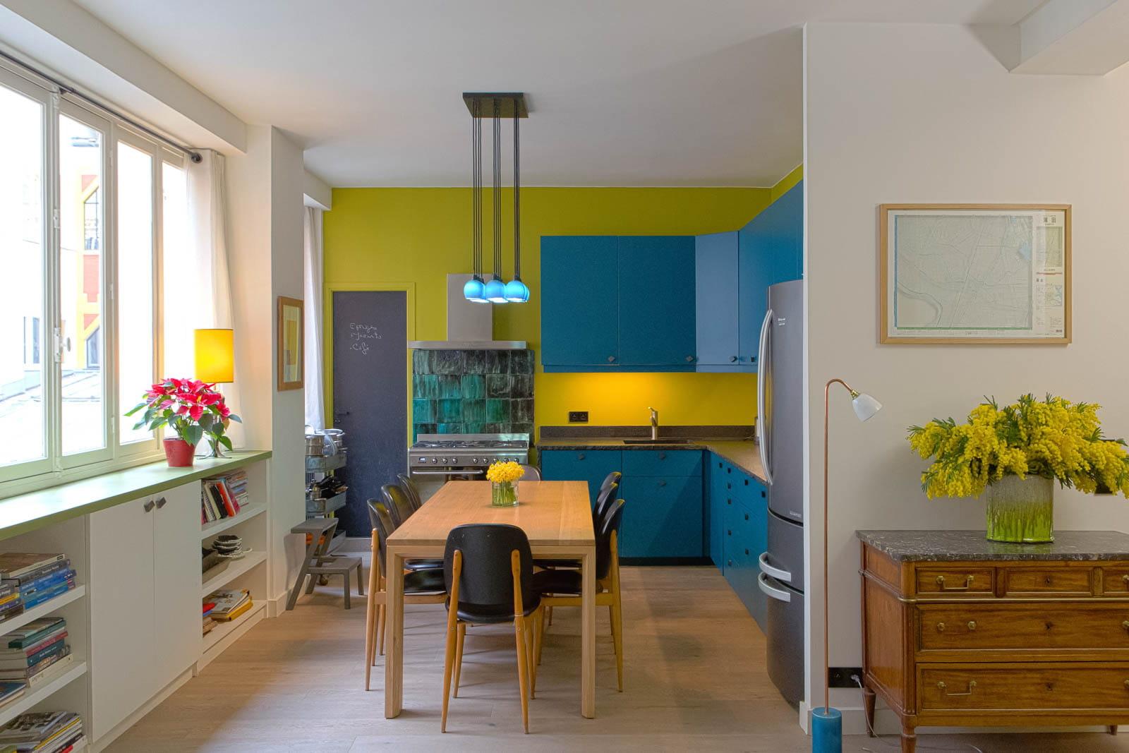 Espace Et Couleurs Dans Un Appartement Familial Un Appartement O Presque Tout Est Ouvert