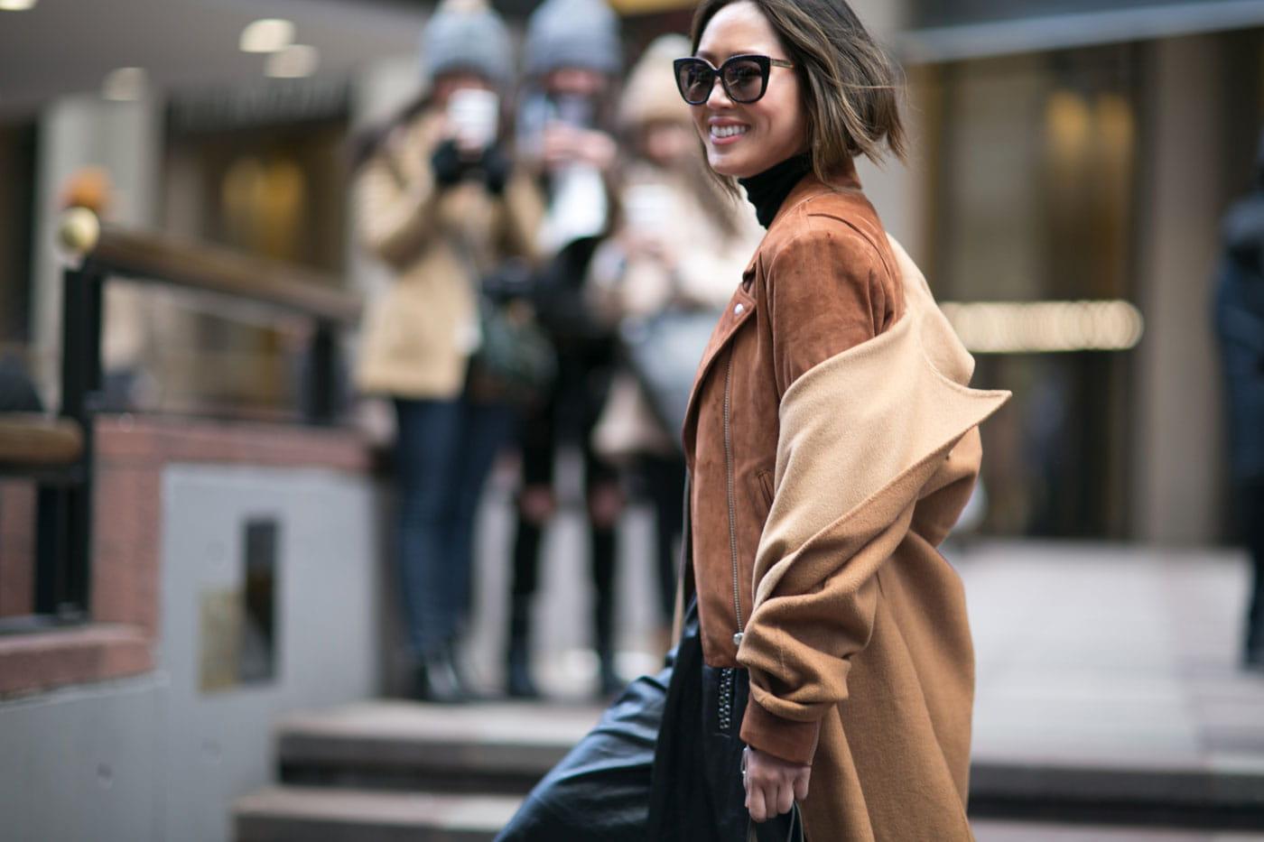 street style la sortie des d fil s fashion week automne hiver 2016 2017 de new york paris. Black Bedroom Furniture Sets. Home Design Ideas