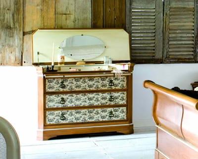 commode coiffeuse collection exceptions de grange une. Black Bedroom Furniture Sets. Home Design Ideas