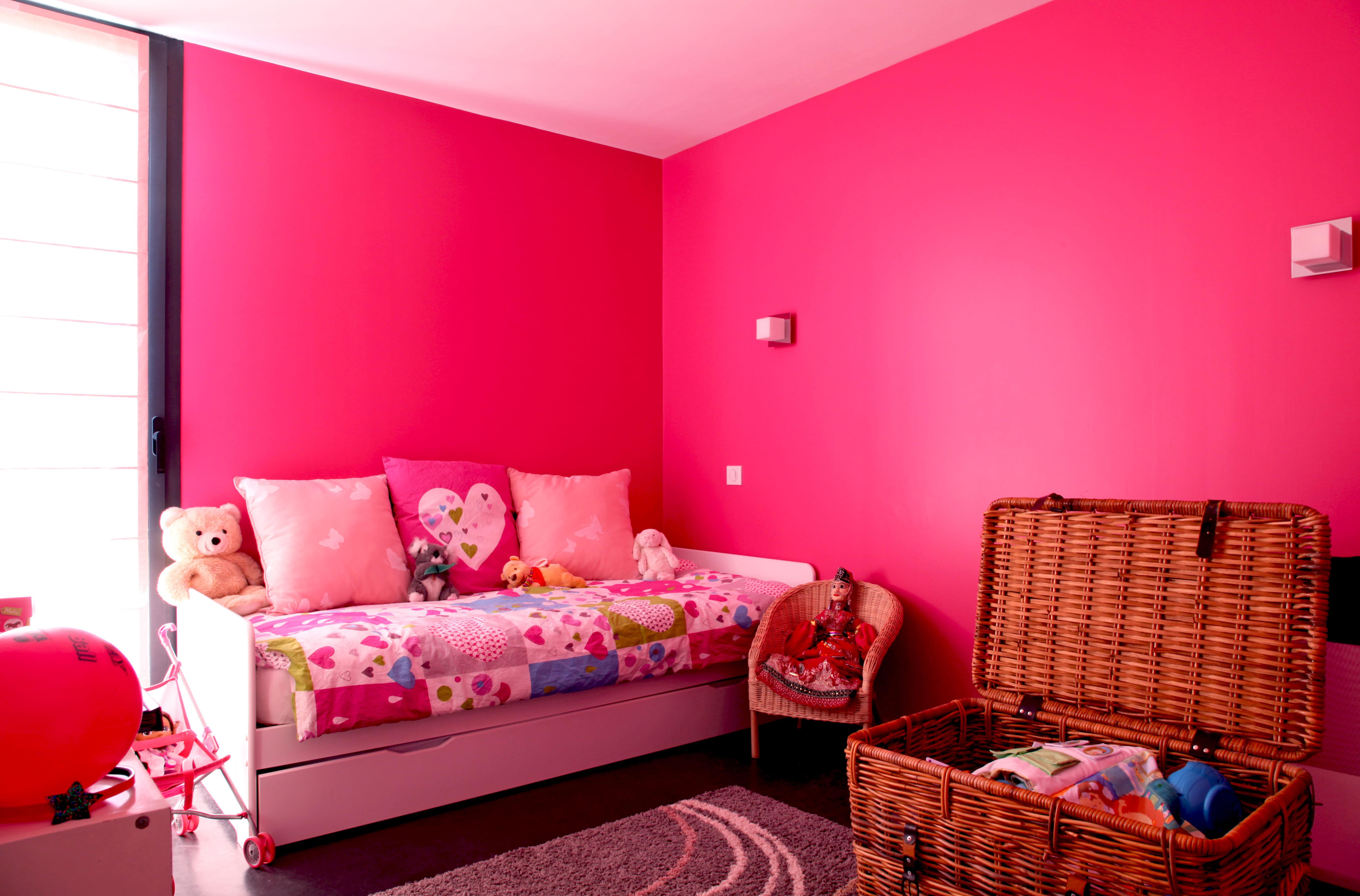 Une chambre de fille rose fluo plein d 39 id es pour - Couleur pour chambre de fille ...