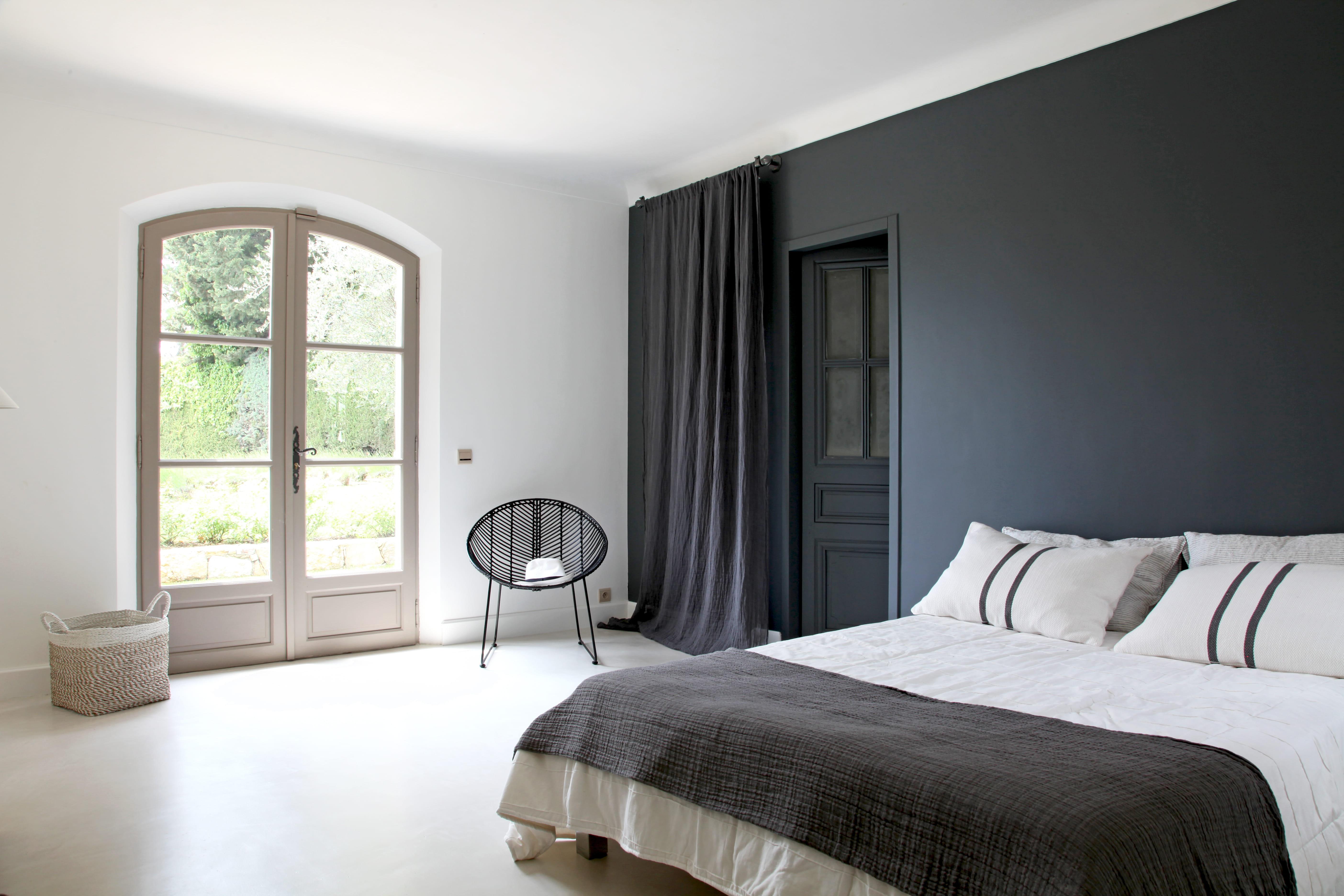 Une chambre d 39 adulte en noir et blanc - Couleur zen chambre adulte ...