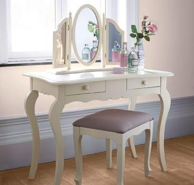 coiffeuse de la redoute une coiffeuse pour ma chambre journal des femmes. Black Bedroom Furniture Sets. Home Design Ideas