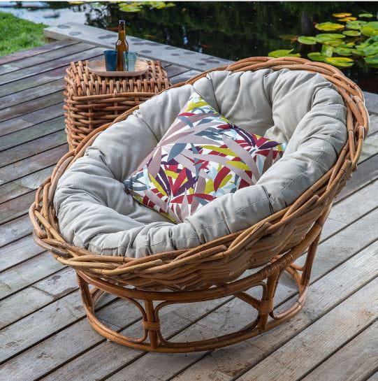 loveuse en rotin par kok maison un salon de jardin en rotin pour une ambiance tr s nature. Black Bedroom Furniture Sets. Home Design Ideas