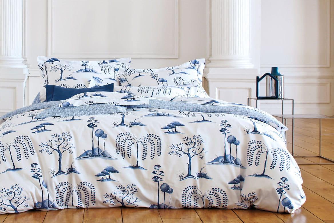 parure kyoto par sanderson le printemps se pose sur le linge de lit journal des femmes. Black Bedroom Furniture Sets. Home Design Ideas