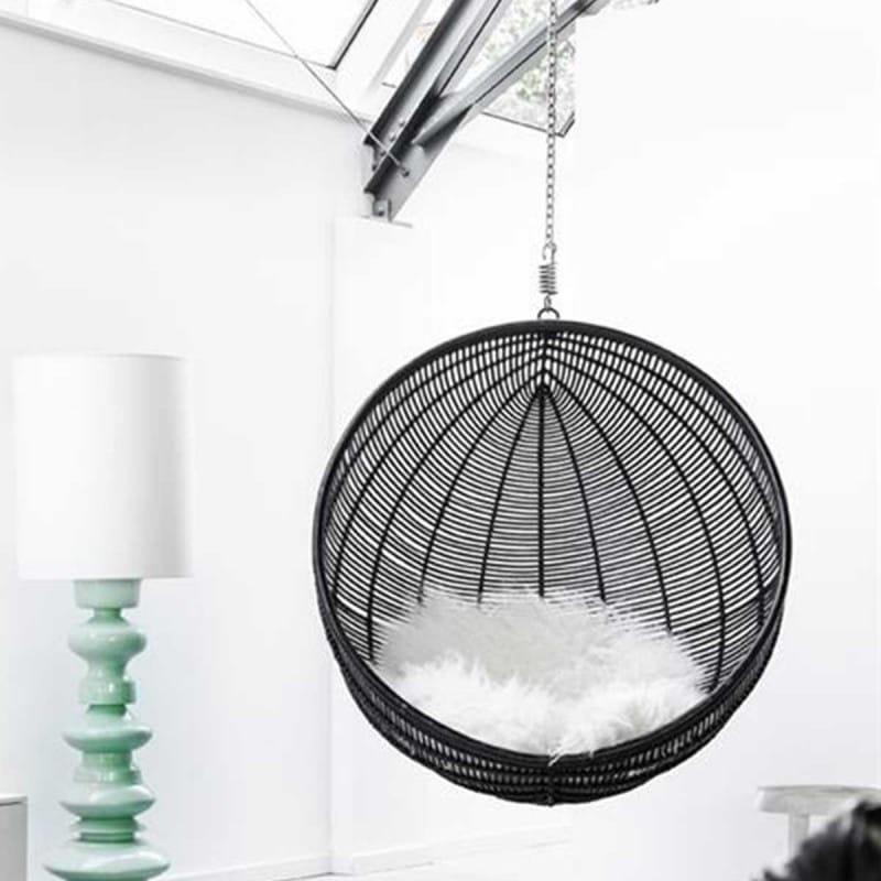 fauteuil suspendu 15 fauteuils suspendus pour buller avec style journal des femmes. Black Bedroom Furniture Sets. Home Design Ideas