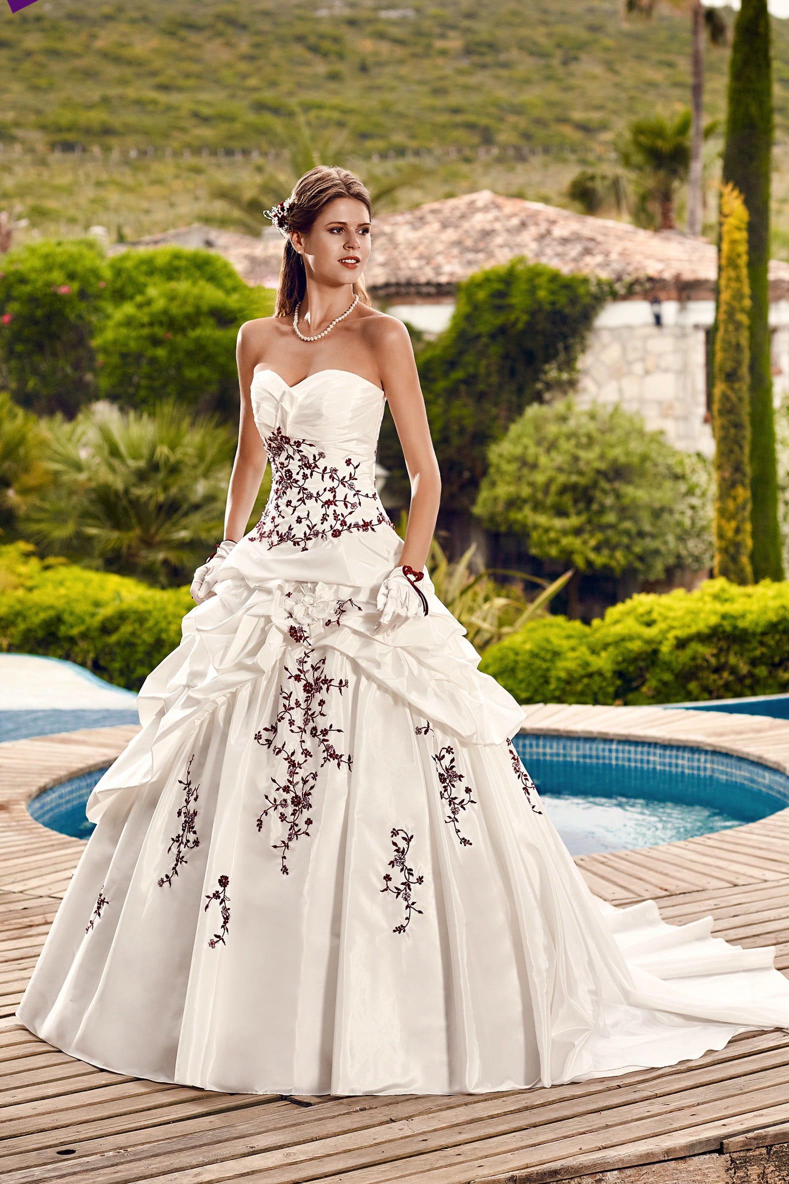 Robe de mariée Hellebre : Point Mariage : la collection 2016 ...