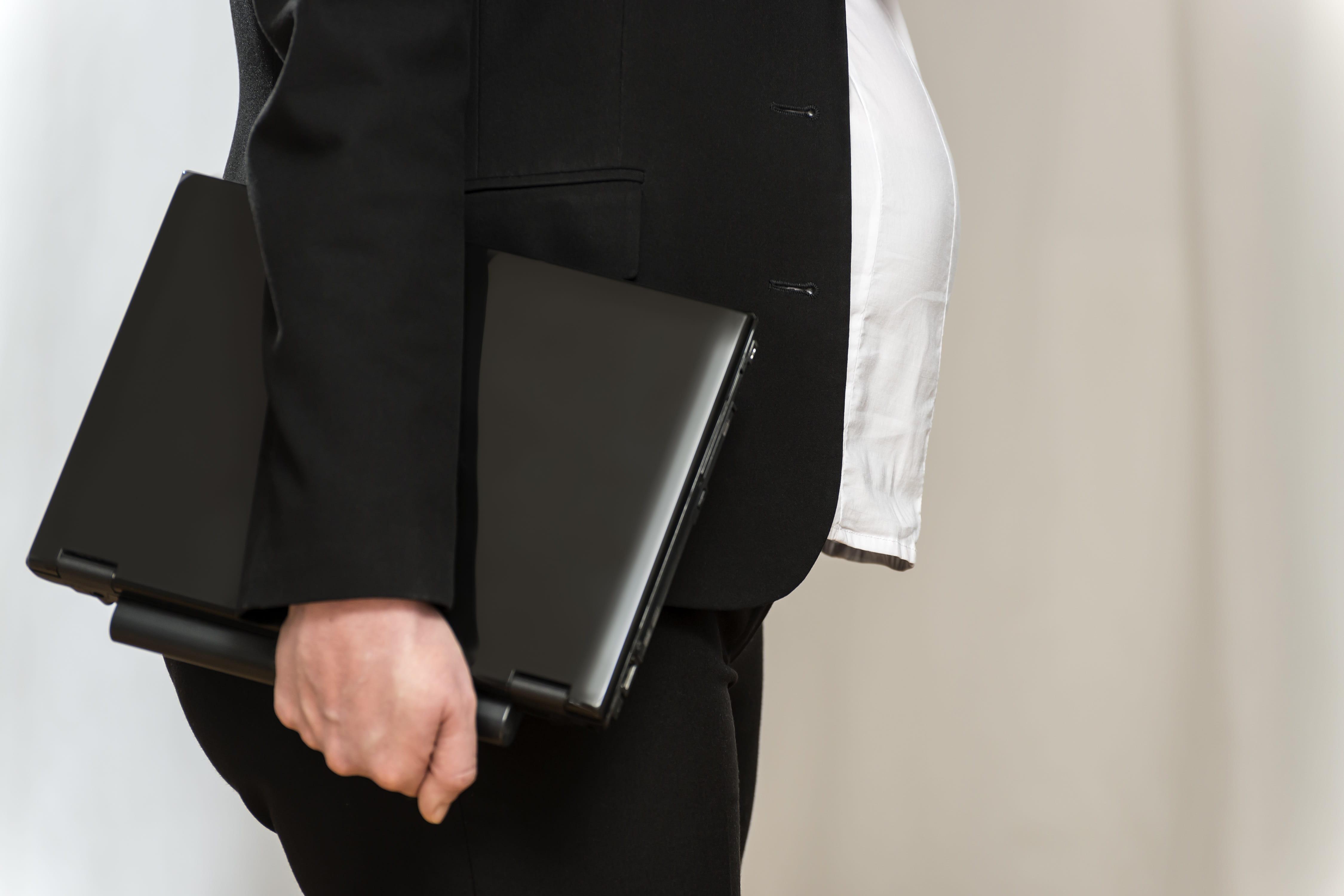 royaume uni les femmes enceintes victimes de discrimination au travail journal des femmes. Black Bedroom Furniture Sets. Home Design Ideas