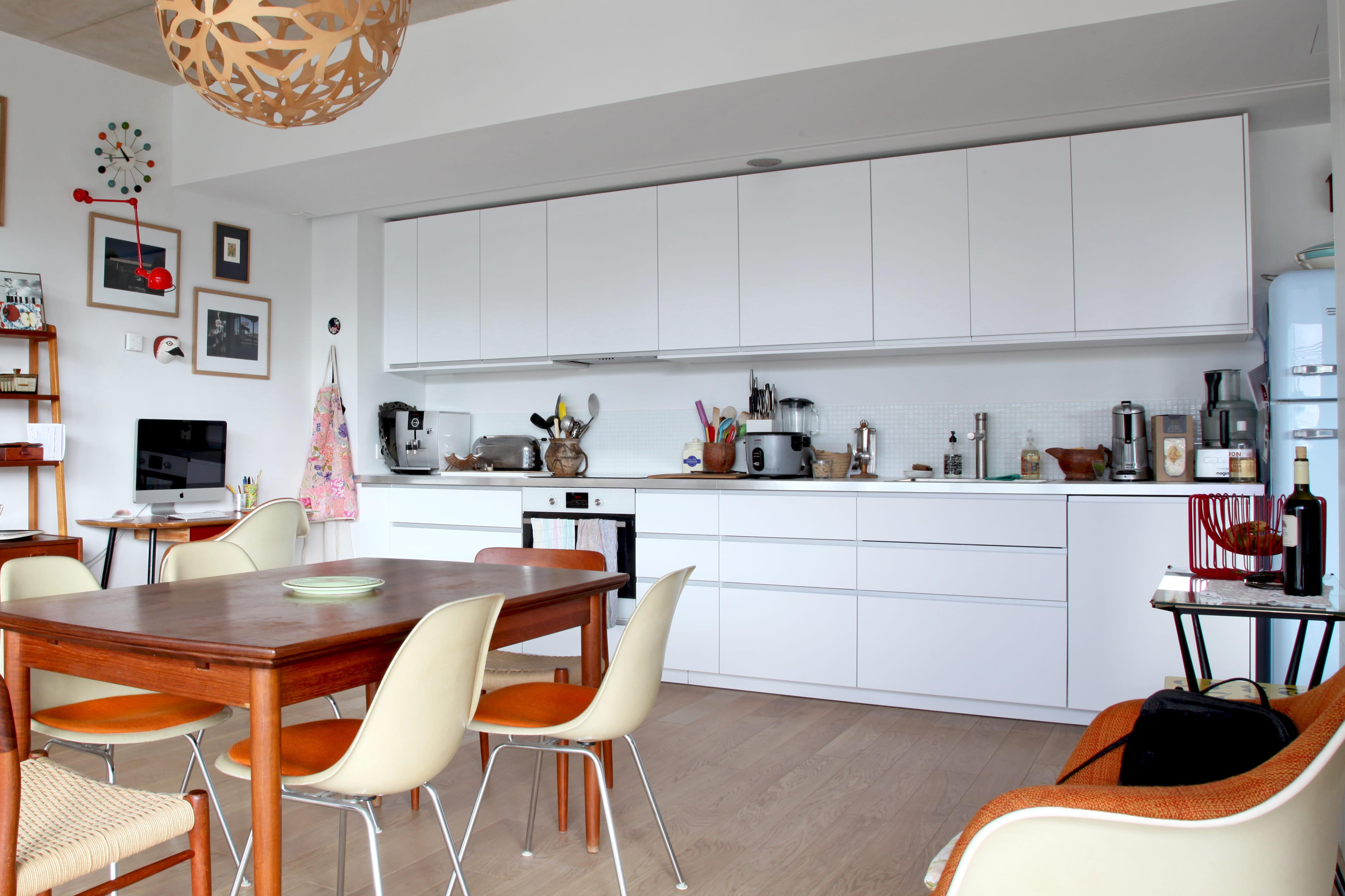 Cuisine blanche des pi ces ultra lumineuses journal - Couleur mur pour cuisine blanche ...