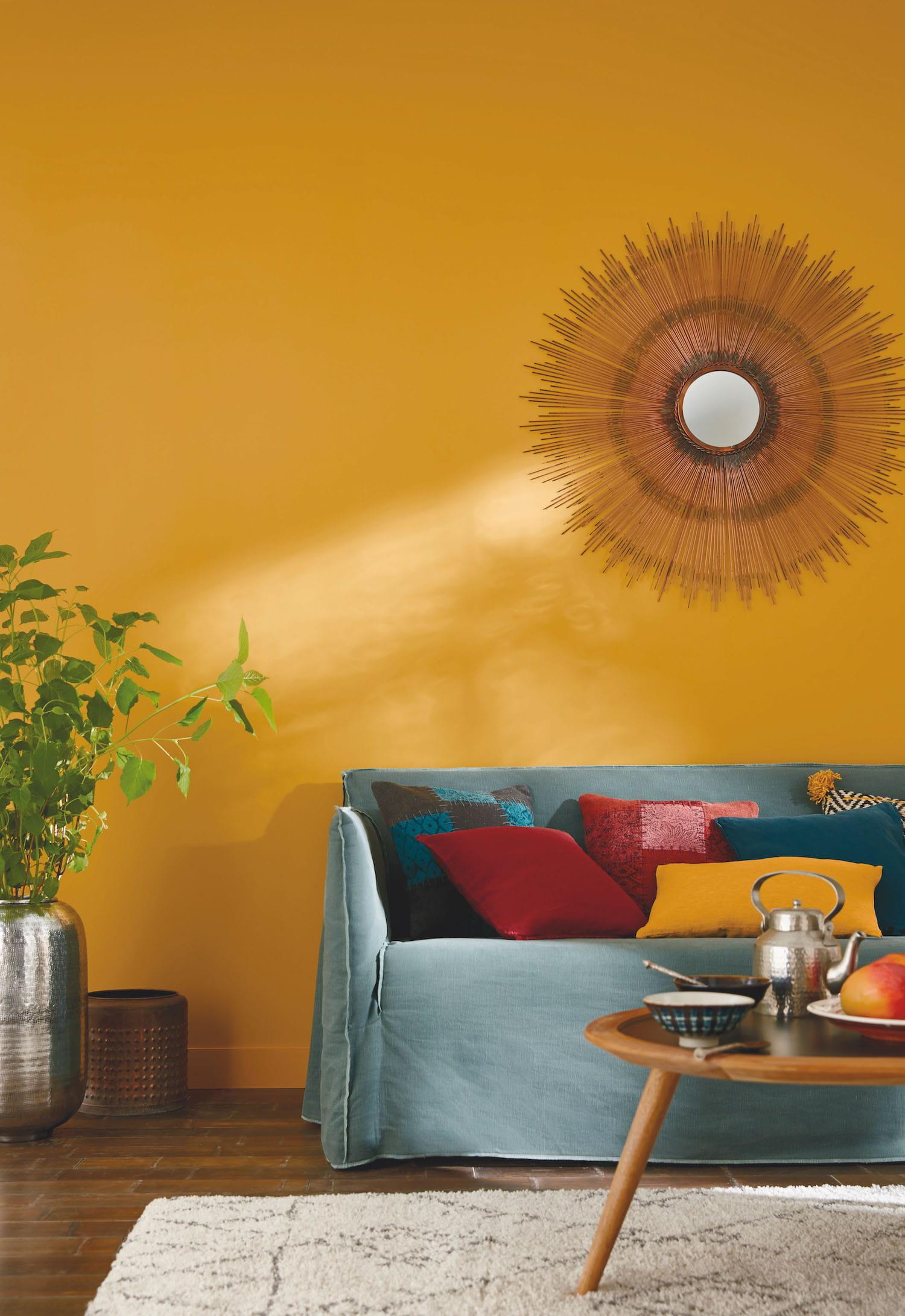 un salon jaune m diterran en. Black Bedroom Furniture Sets. Home Design Ideas