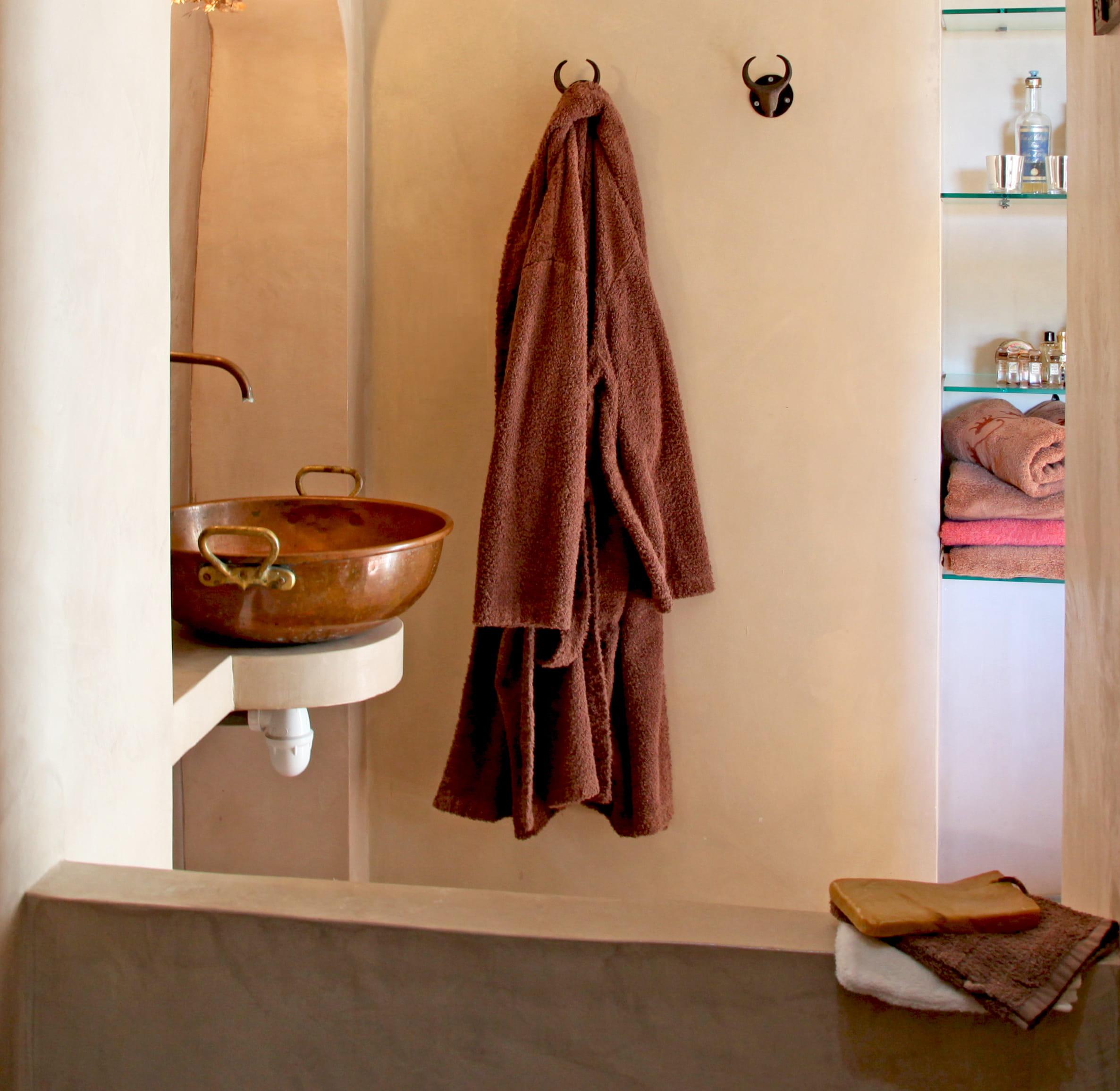 Meuble Salle De Bain Bas Bois ~ bassine de bain maison design apsip com