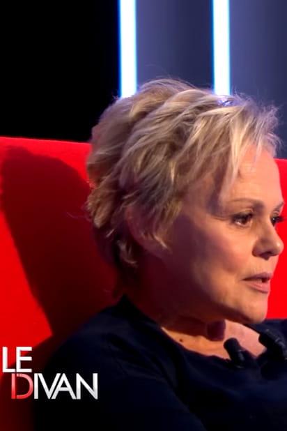 Muriel robin confidences sur canap for Muriel robin le salon de coiffure