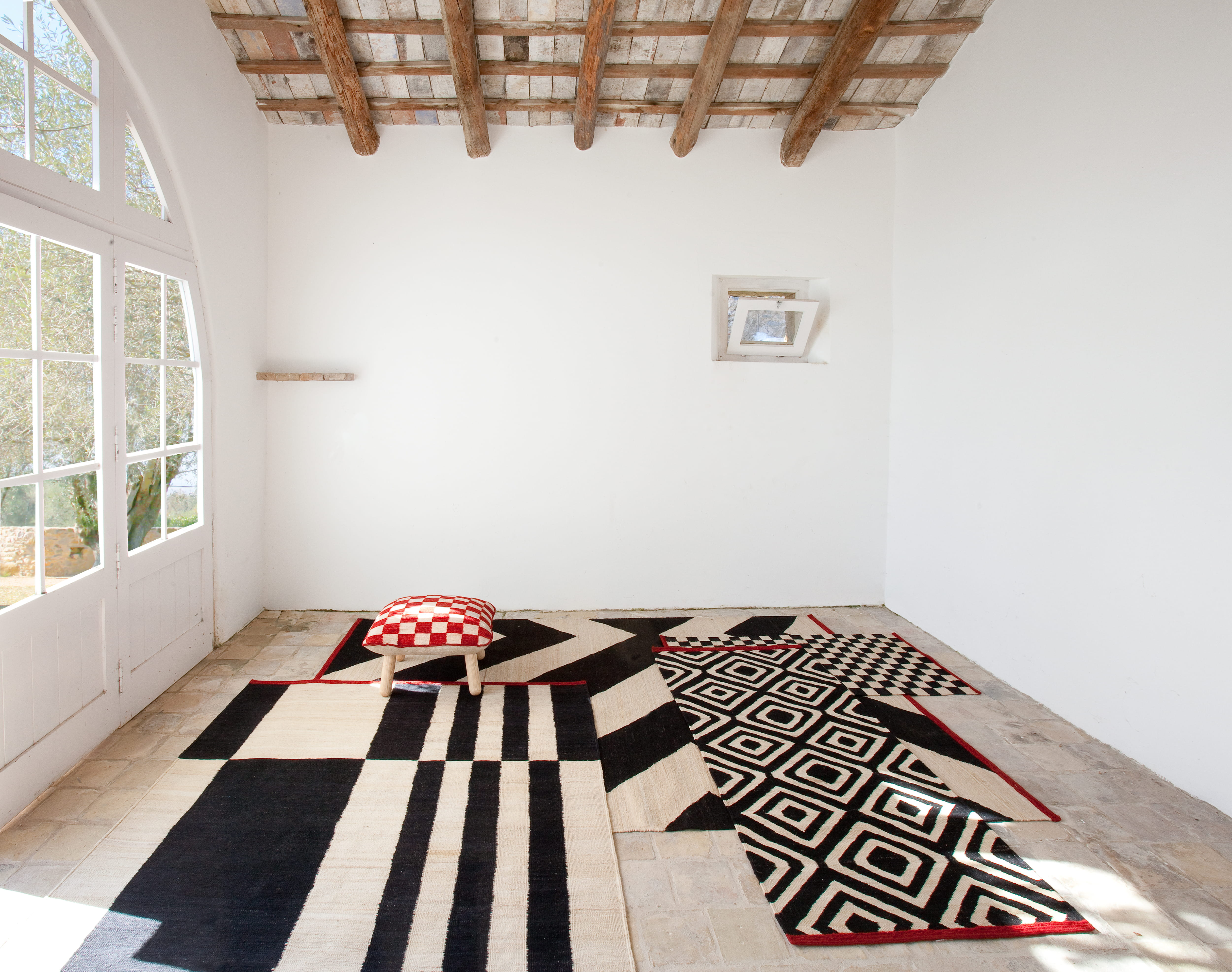 L 39 objet du d sir les tapis nanimarquina chez home autour - Tapis zebre maison du monde ...