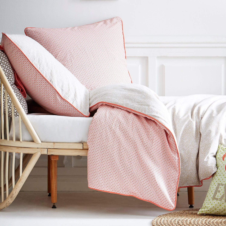 la parure de lit r versible mon linge de lit petit prix journal des femmes. Black Bedroom Furniture Sets. Home Design Ideas