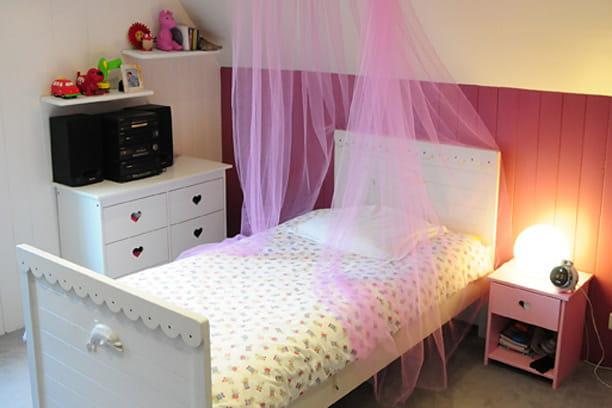 une chambre romantique pour petite fille nouveau look. Black Bedroom Furniture Sets. Home Design Ideas