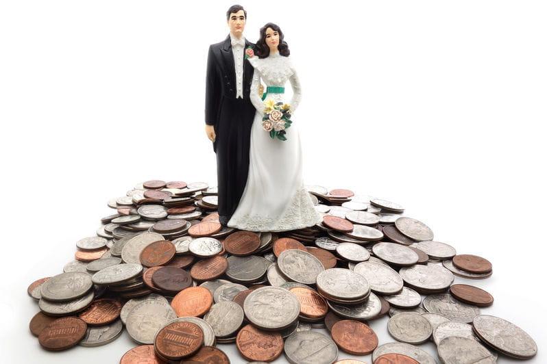budget mariage 7 astuces pour faire des conomies journal des femmes. Black Bedroom Furniture Sets. Home Design Ideas