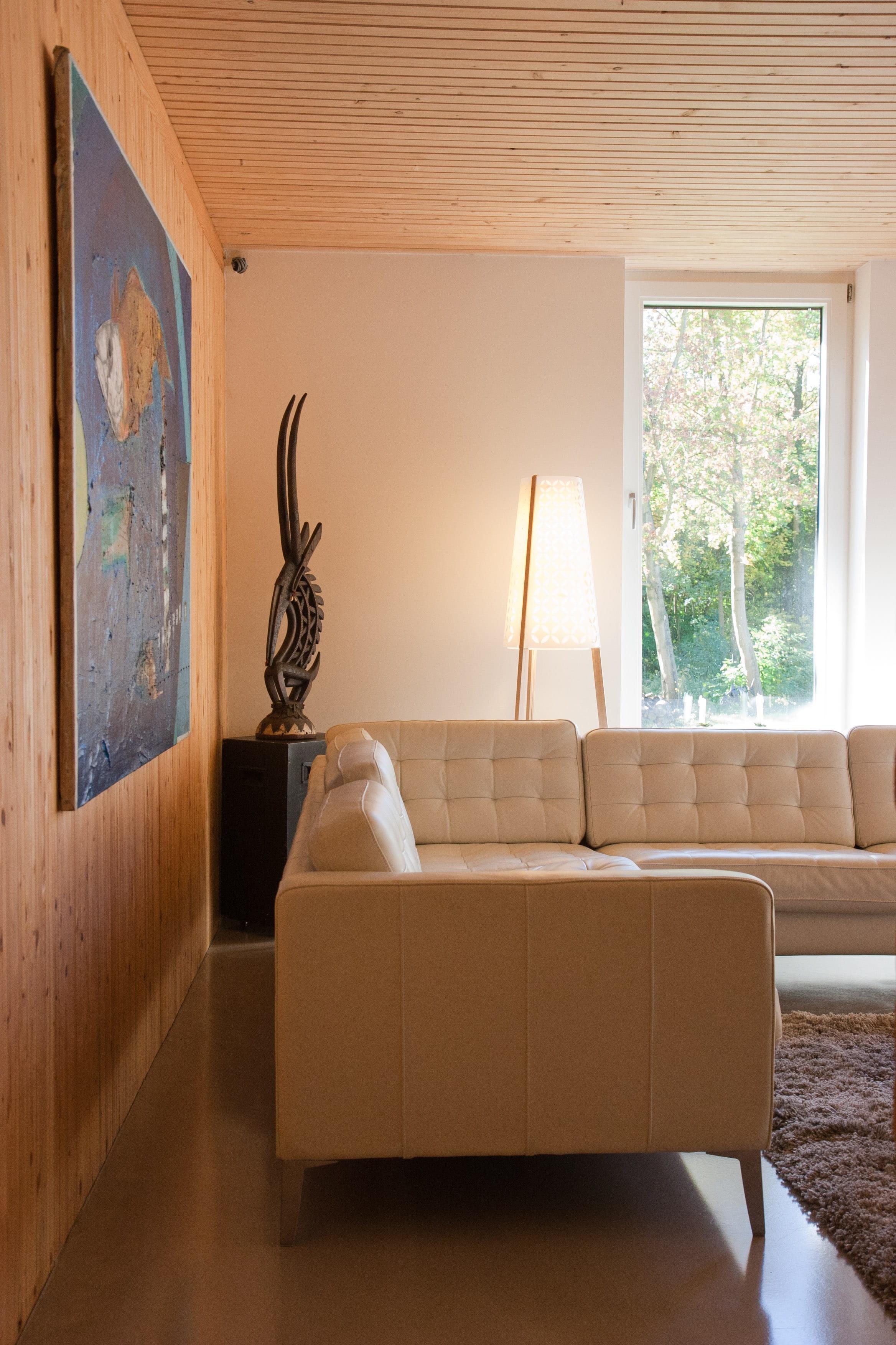Un salon blanc et bois  Un salon de couleur blanche tout en nuances  ~ Salon Blanc Et Bois