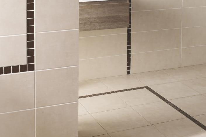 quel sol pour la salle de bains journal des femmes. Black Bedroom Furniture Sets. Home Design Ideas