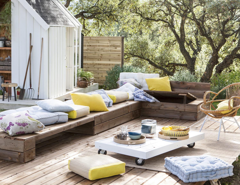 des coussins ext rieurs jaunes et gris coussins et. Black Bedroom Furniture Sets. Home Design Ideas