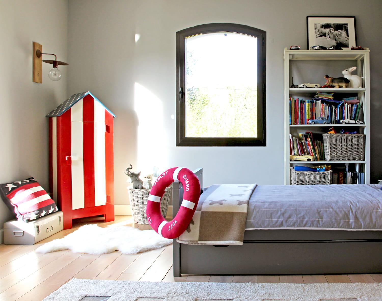 une cabine de plage chambre d 39 enfant 10 fa ons de ranger les jouets journal des femmes. Black Bedroom Furniture Sets. Home Design Ideas