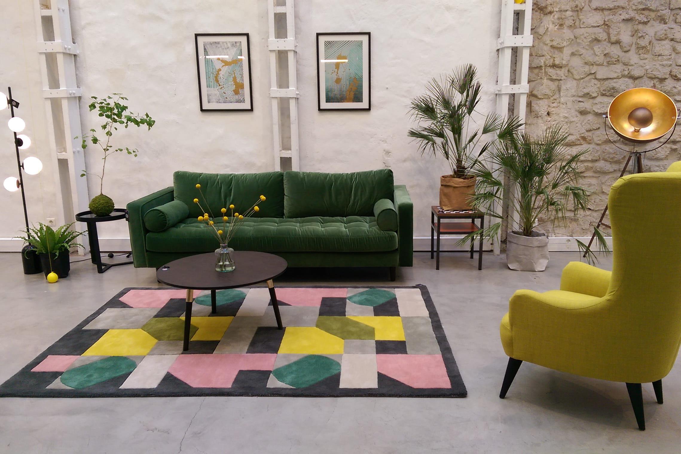 un premier showroom connect paris journal. Black Bedroom Furniture Sets. Home Design Ideas