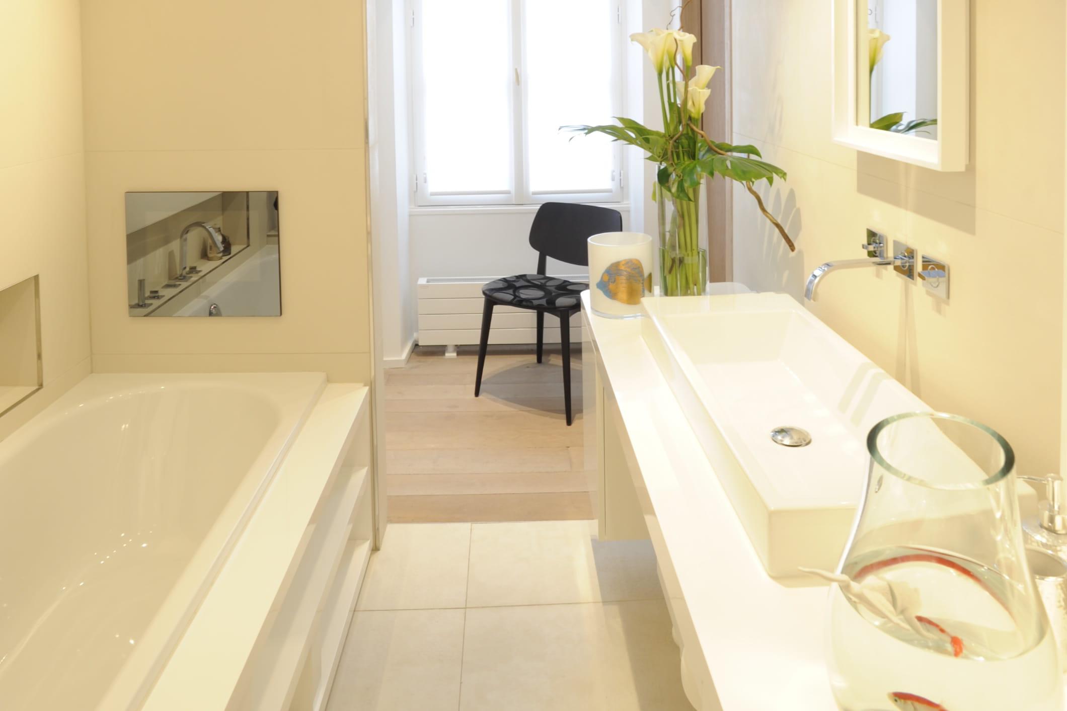 Echelle salle de bain blanche – lombards