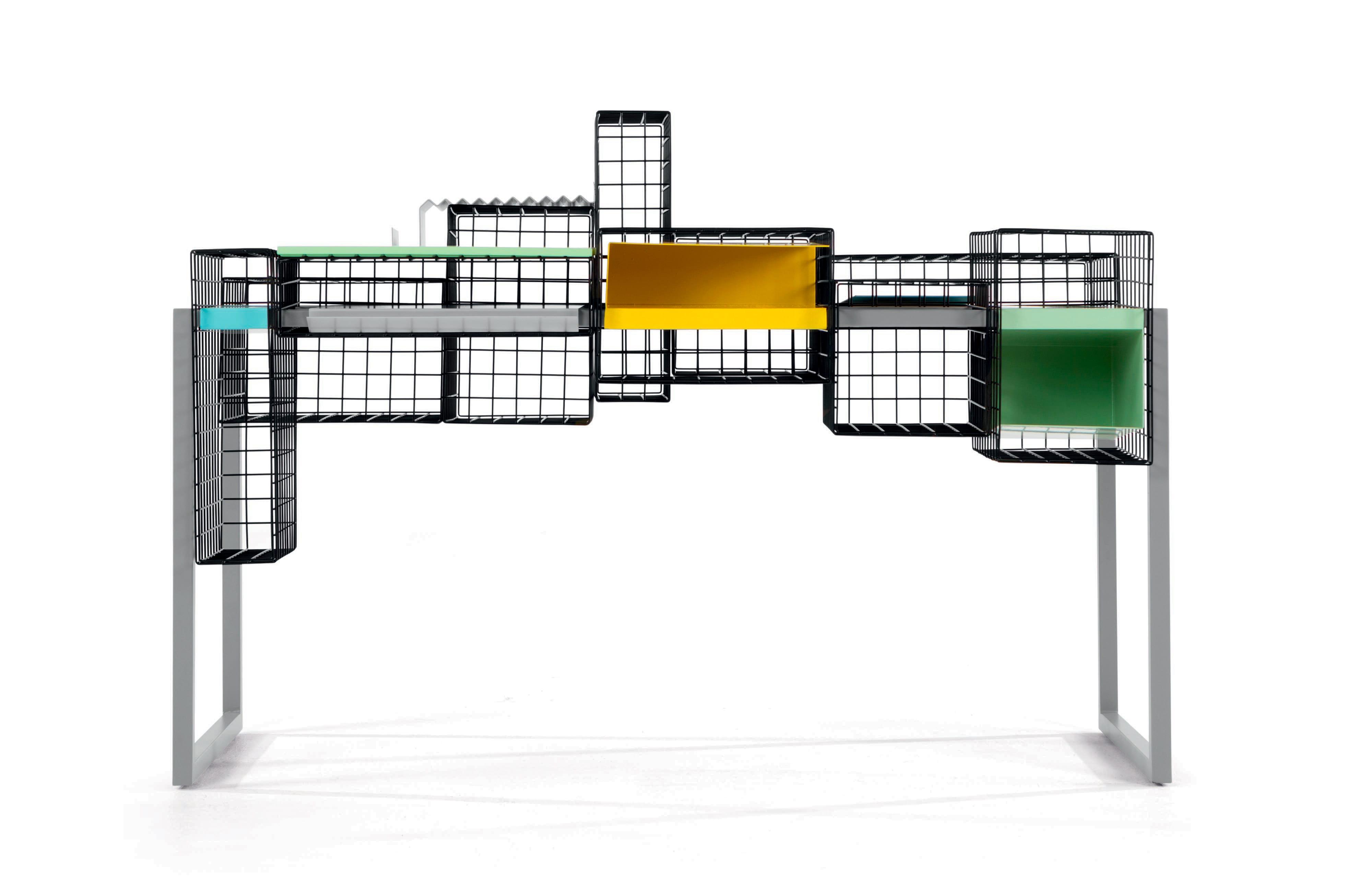 bureau grid chez 9 bureaux pour un style industriel la maison journal des femmes. Black Bedroom Furniture Sets. Home Design Ideas