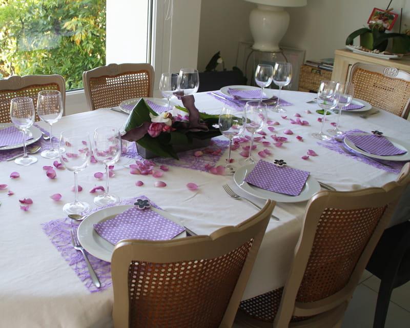 Gagnante n 3 mauve et blanc 10 d corations de table for Salle de bain mauve et blanc