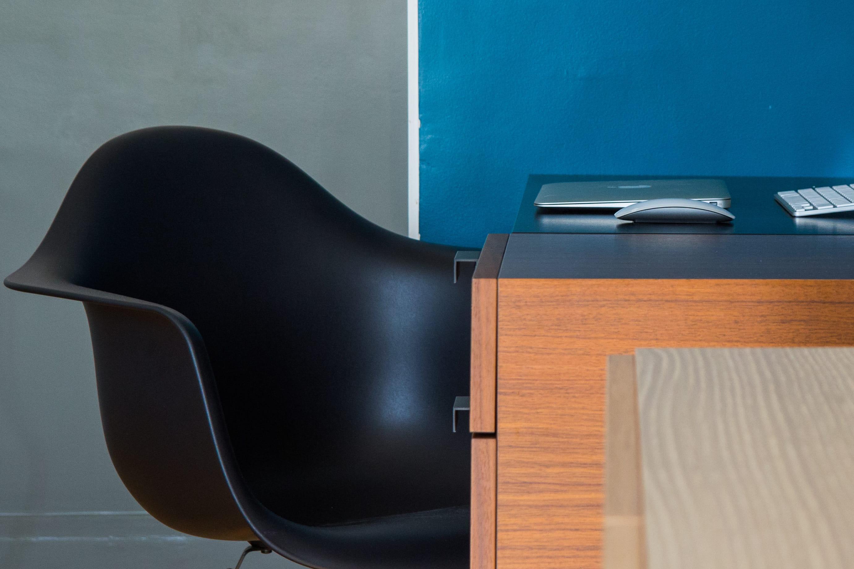 Comment bien choisir sa chaise de bureau journal des femmes - Comment monter une chaise de bureau ...
