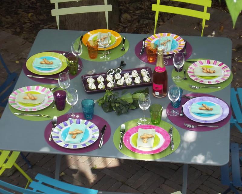 Gagnante n 6 multicolore 10 d corations de table color es journal des femmes - Deco table multicolore ...