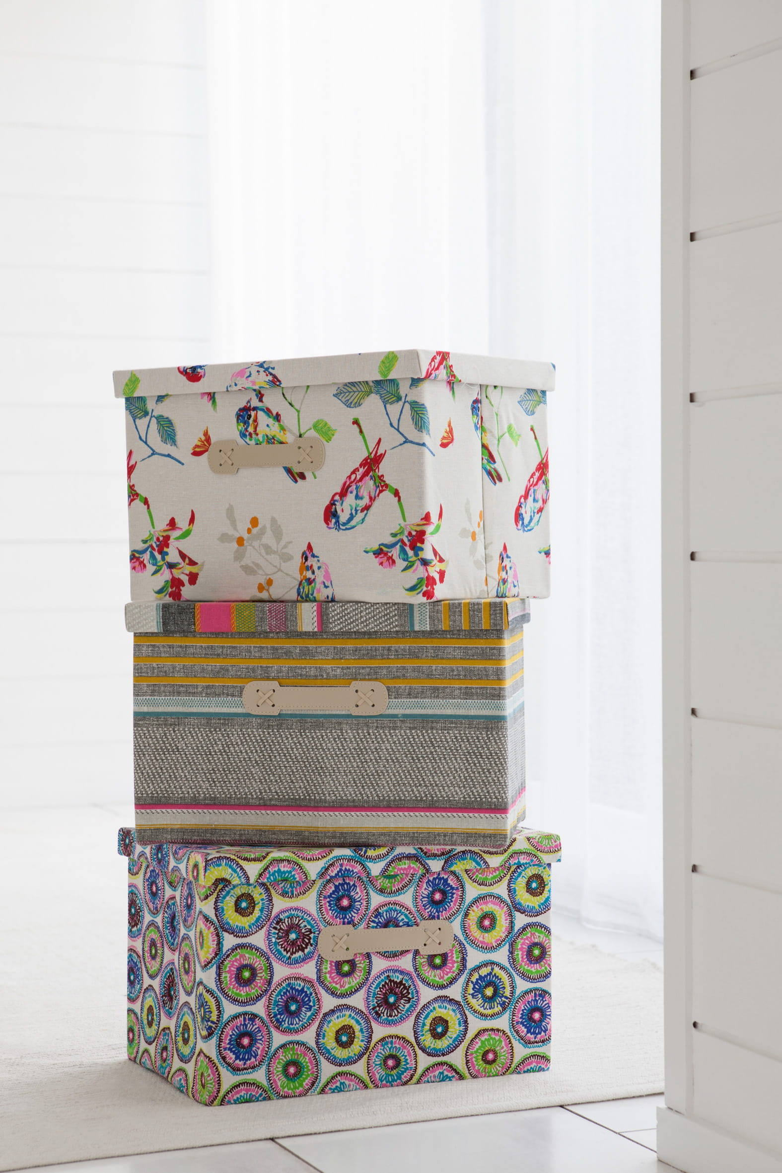 set de 3 bo tes d cor es par becquet jolies bo tes les alli es d co du rangement journal. Black Bedroom Furniture Sets. Home Design Ideas
