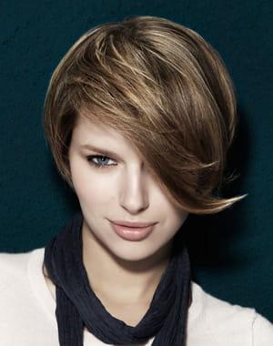 http://www.journaldesfemmes.com/beaute/coiffure/les-coupes-courtes-de-l-hiver/image/13-coiff-co-beaute-coiffure-1039157.jpg?1322124187