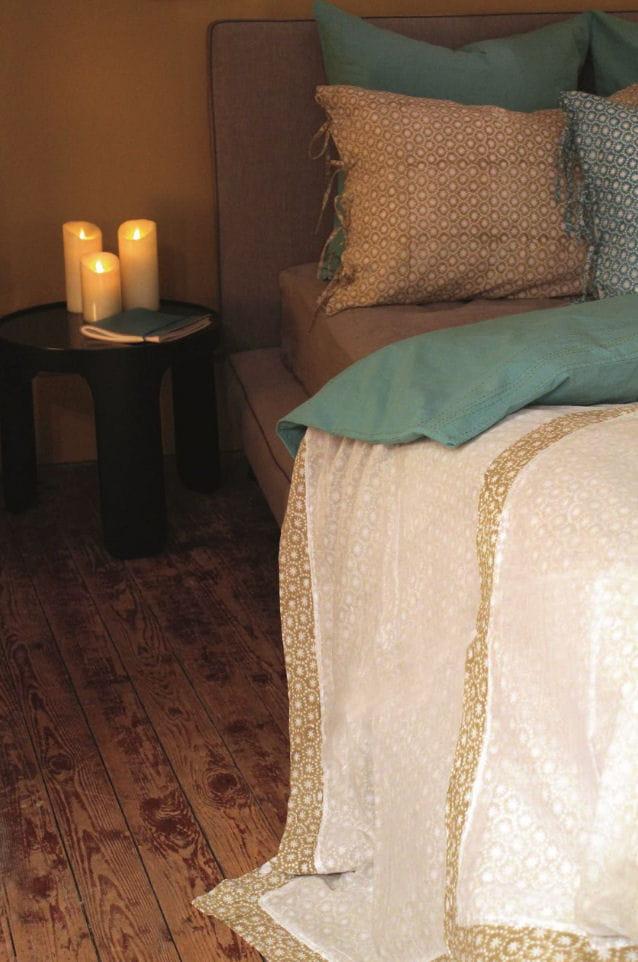 table de nuit tabouret saki par caravane tables de nuit 22 mod les pour la chambre journal. Black Bedroom Furniture Sets. Home Design Ideas