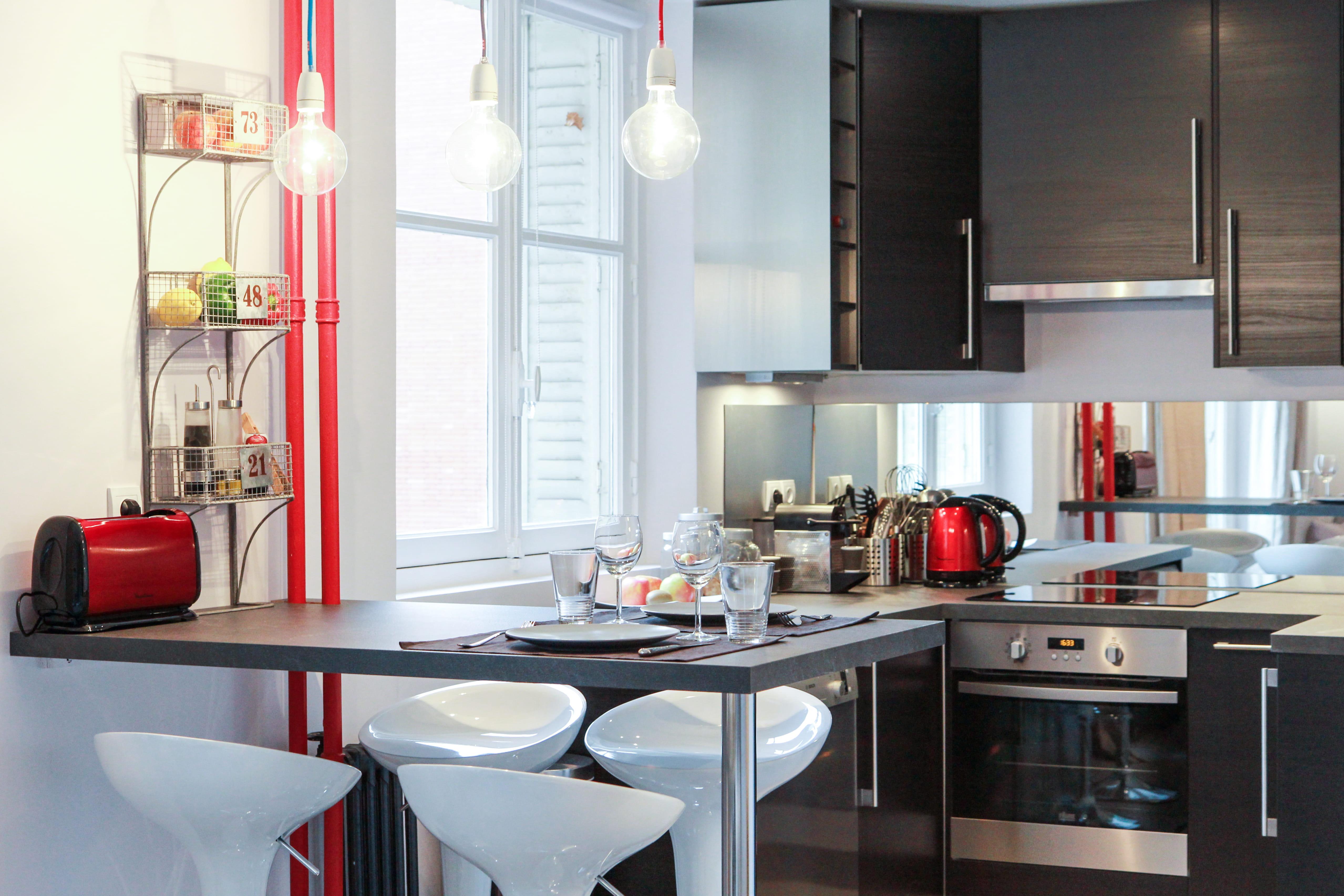 18 id es pour une petite cuisine optimis e et fonctionnelle - Cuisine fonctionnelle petit espace ...