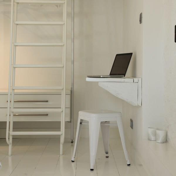 10 id es pour installer un coin bureau dans un petit espace for Bureau qui se ferme